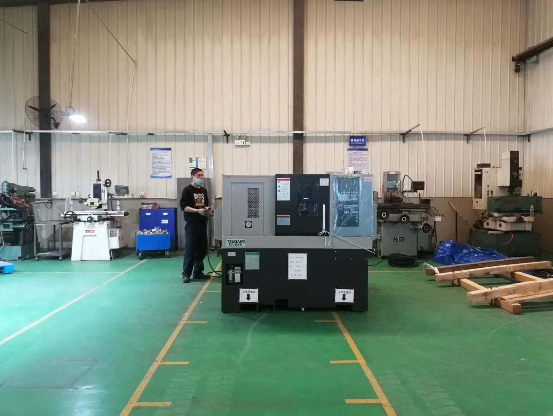 刀塔移动式CNC精密加工自动车床
